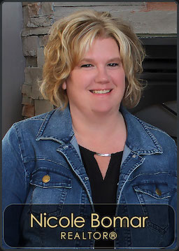 Nicole Bomar, Agent for Century 21 RiverStone located in the Sandpoint Office